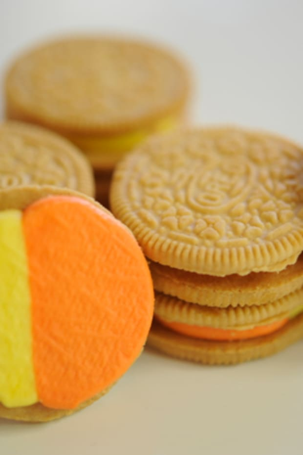 candy-corn-oreos