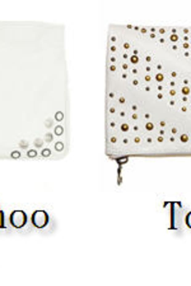 crave-or-save-white-clutch