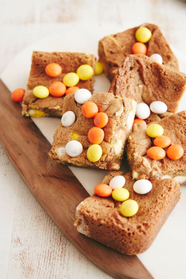 Cupcakes + Cashmere Halloween Blondie Brownies V1.jpg