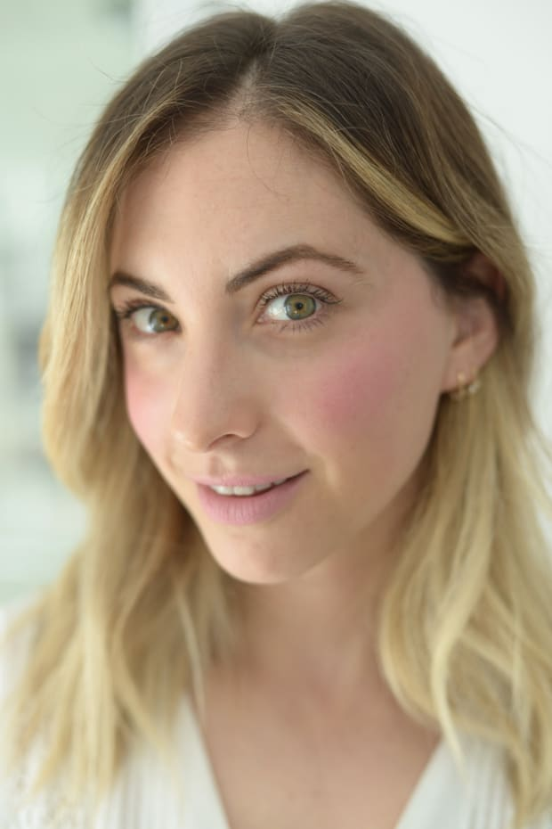 cheek and lips opener