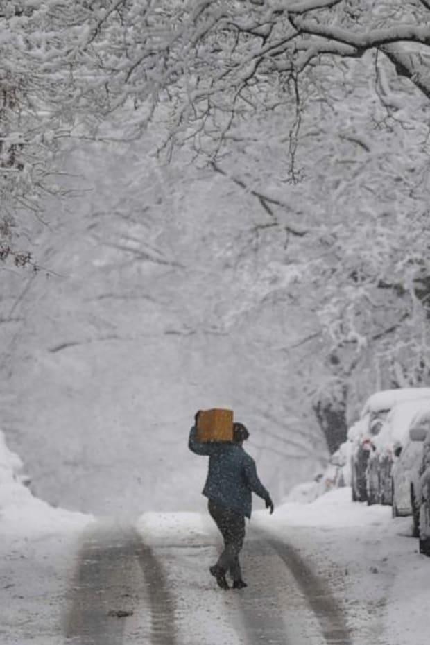 snow-storm-_hpMain_20210213-062519_16x9_992