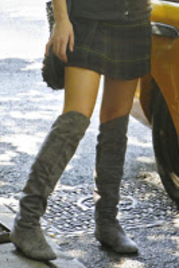 serenas-grey-boots