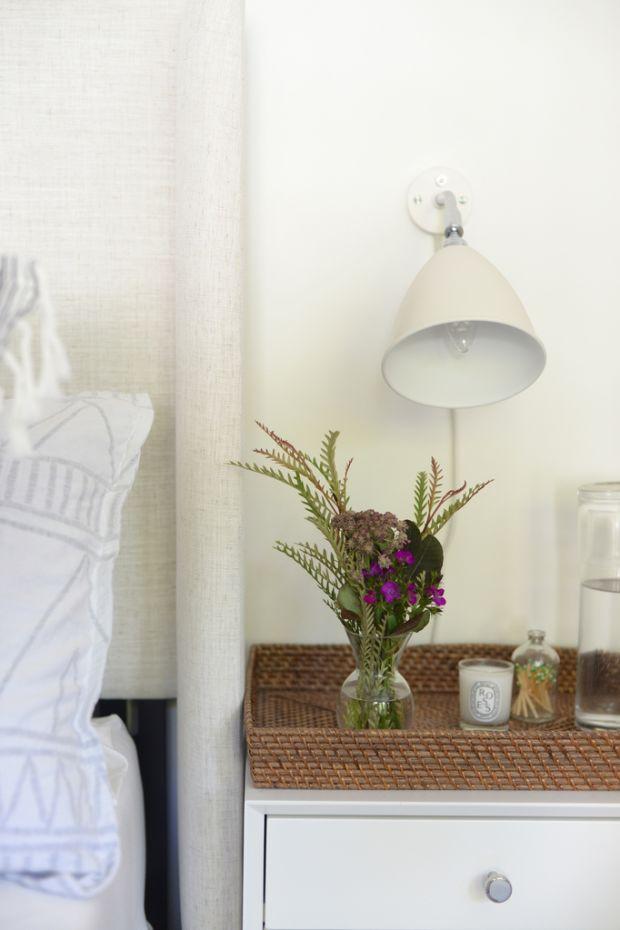 guest_bedroom_flowers_1024.jpg