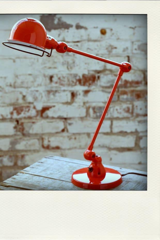 red-lamp-pola