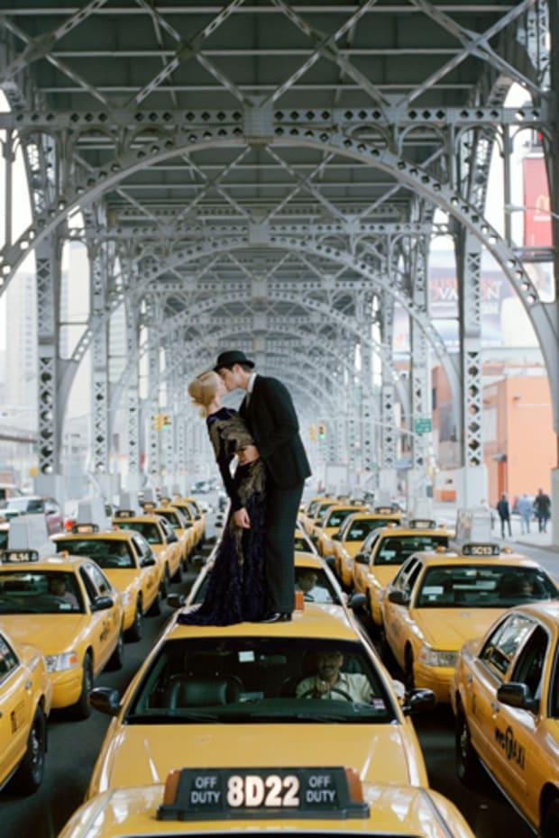 kissing-on-cab