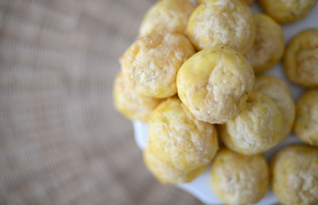 {Rach's incredible cheese puffs (which I stuffed with scrambled eggs the next morning}