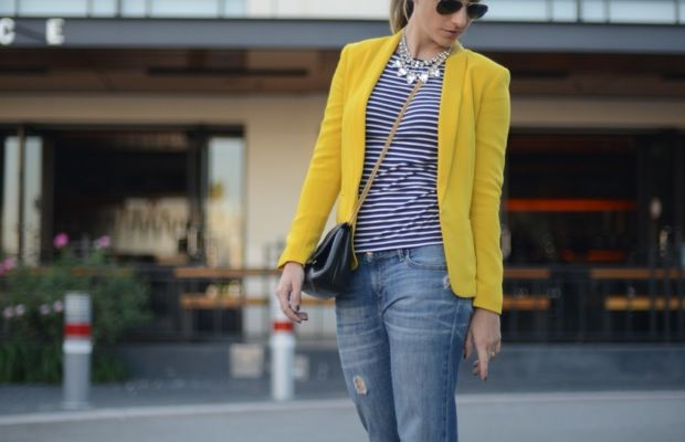 Ray-Ban Aviators, H&M Shirt, Rag & Bone Blazer, Gap Jeans, Manolo Blahnik Heels, Vintage Chanel Purse, Vintage & Forever 21 Necklaces