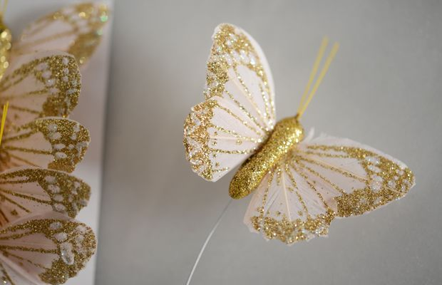{Butterfly gift toppers from the Flower Mart in my favorite color combination}