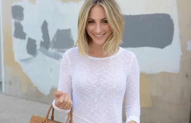 whitesweater7_0