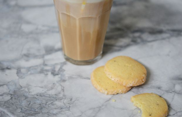 {Afternoon snack: homemade decaf iced latte + rosemary butter cookies}
