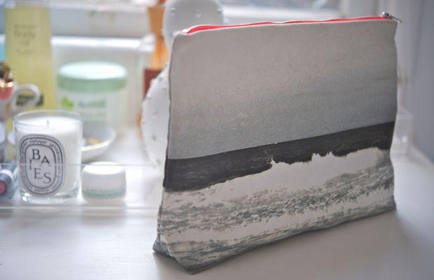 ocean-make-up-bag
