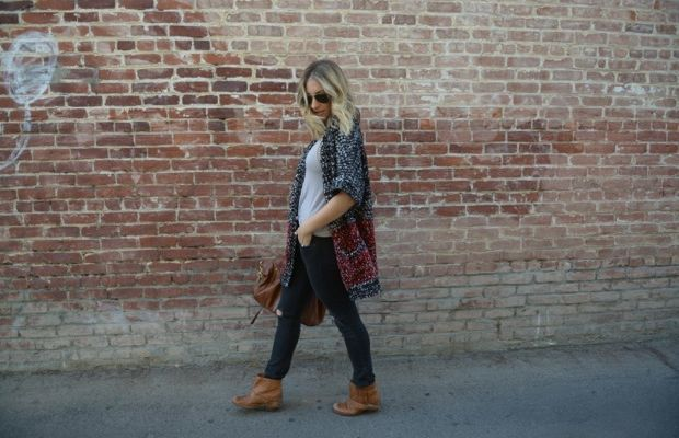 Ray-Ban Aviators, Topshop Tank, Sydney Evan Bracelet, Forever 21 Cardigan, Rag & Bone Jeans, Mulberry Bag, VPL Booties, Essie 'Topless & Barefoot' Nail Polish