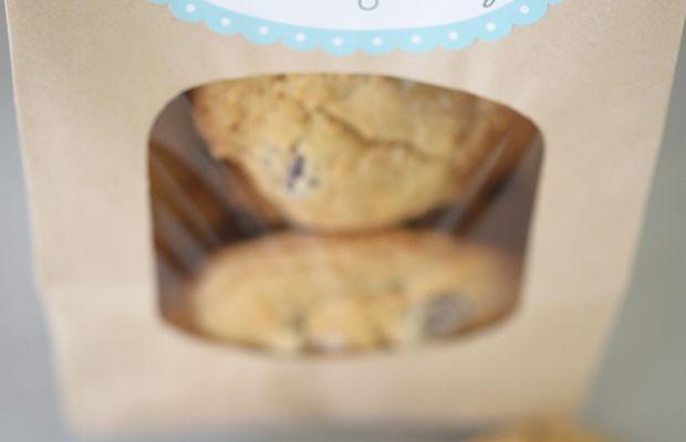 {Best way to make friends in a new neighborhood: cookies}