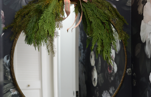 {Bathroom pine decor that looksandsmells nice}