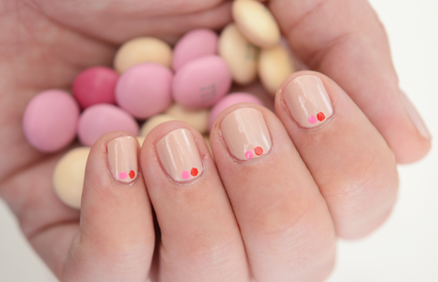 {Valentine's inspired nails + the prettiest M&Ms}