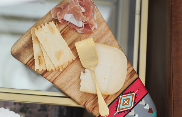 {Gift from Amber: idealfor a one-person cheese plate}