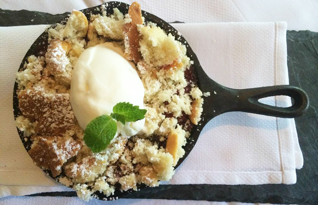 {The best single-serving crumble after lunch}