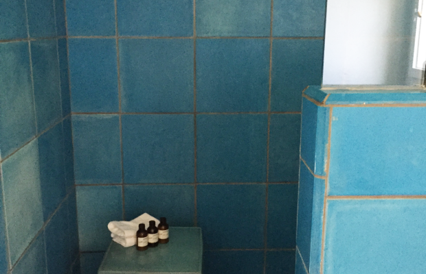 {Still can't get over my blue tiled bathroom at Hotel Saint Cecilia}