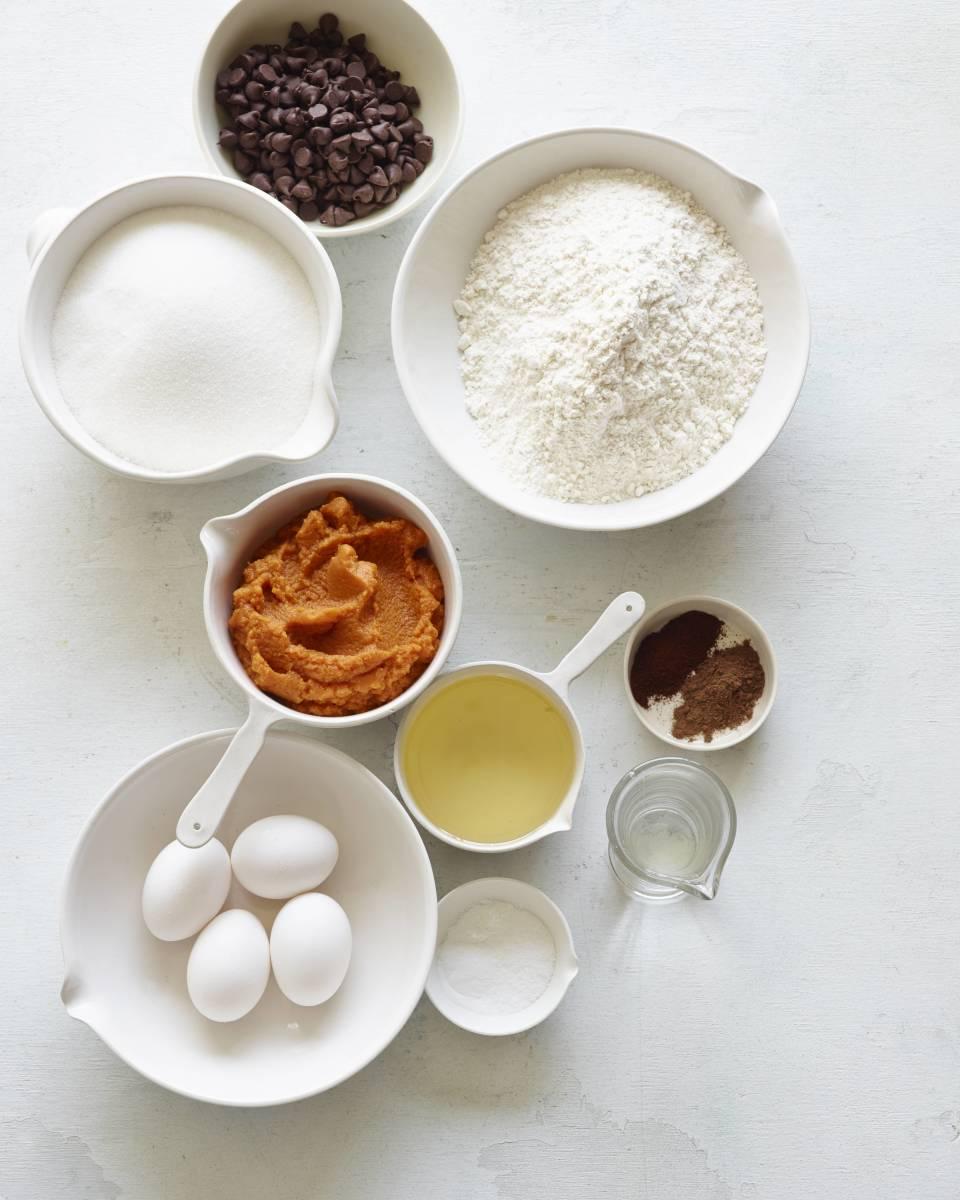 pumpkin chocolate chip muffin ingredients