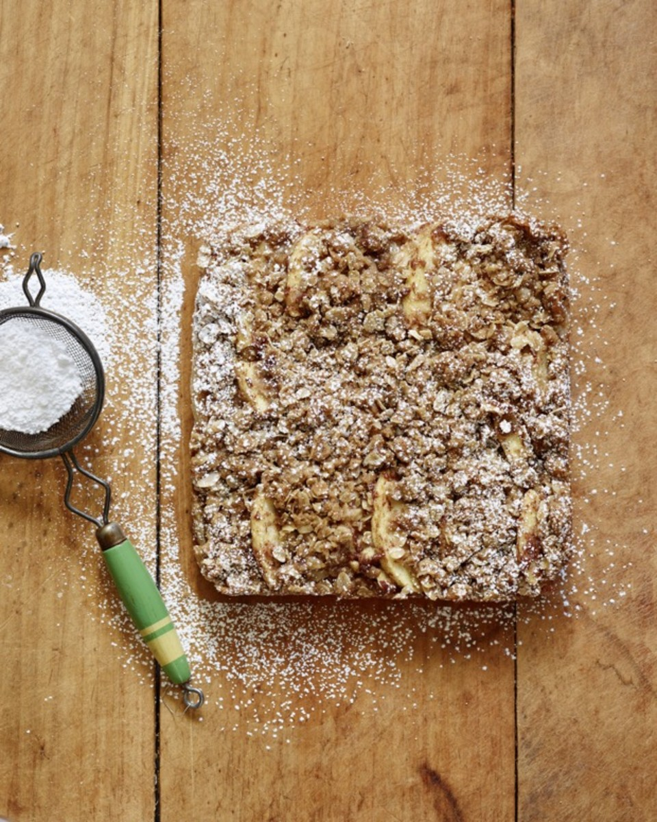 CC Apple Streusel Bars Step 5 (1).jpg
