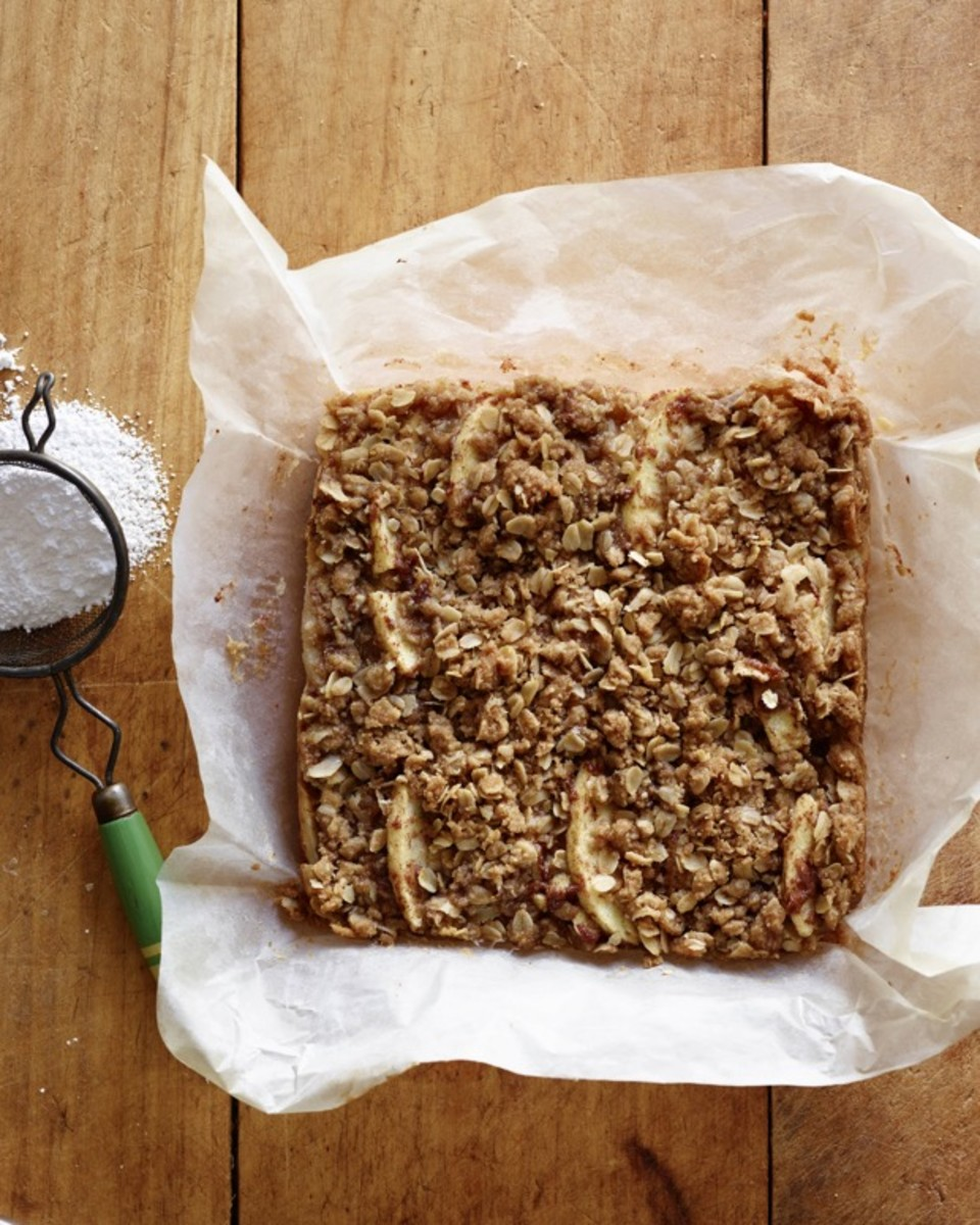 CC Apple Streusel Bars Step 4 (1).jpg