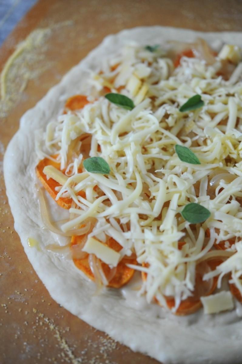 Caramelized onion, garlic, fontina and fresh oregano.