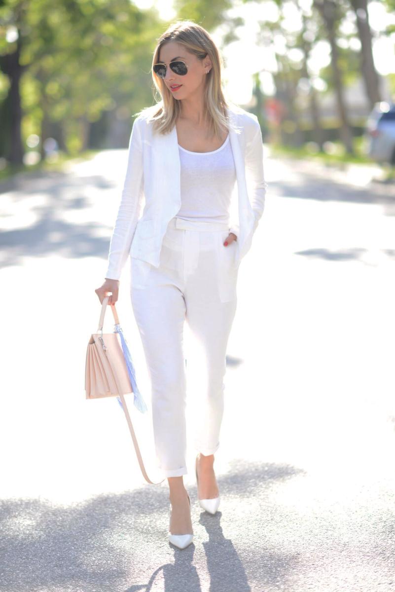 whitesuit5.png