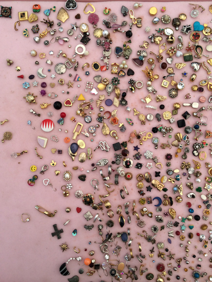 {Love this pin display from the flea market}