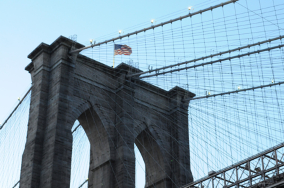 {I loved walking along the water and looking up at the Brooklyn Bridge at dusk.}