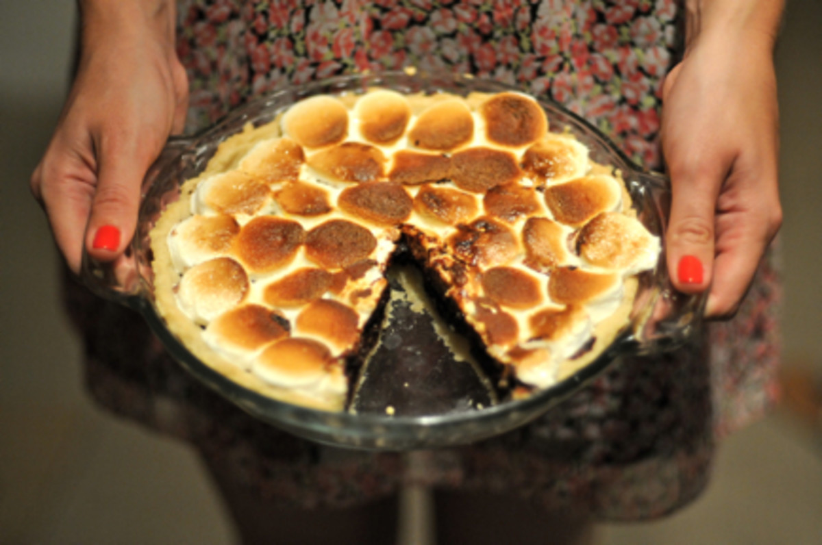 {Improvised S'more pie. Best. Thing. Ever.}