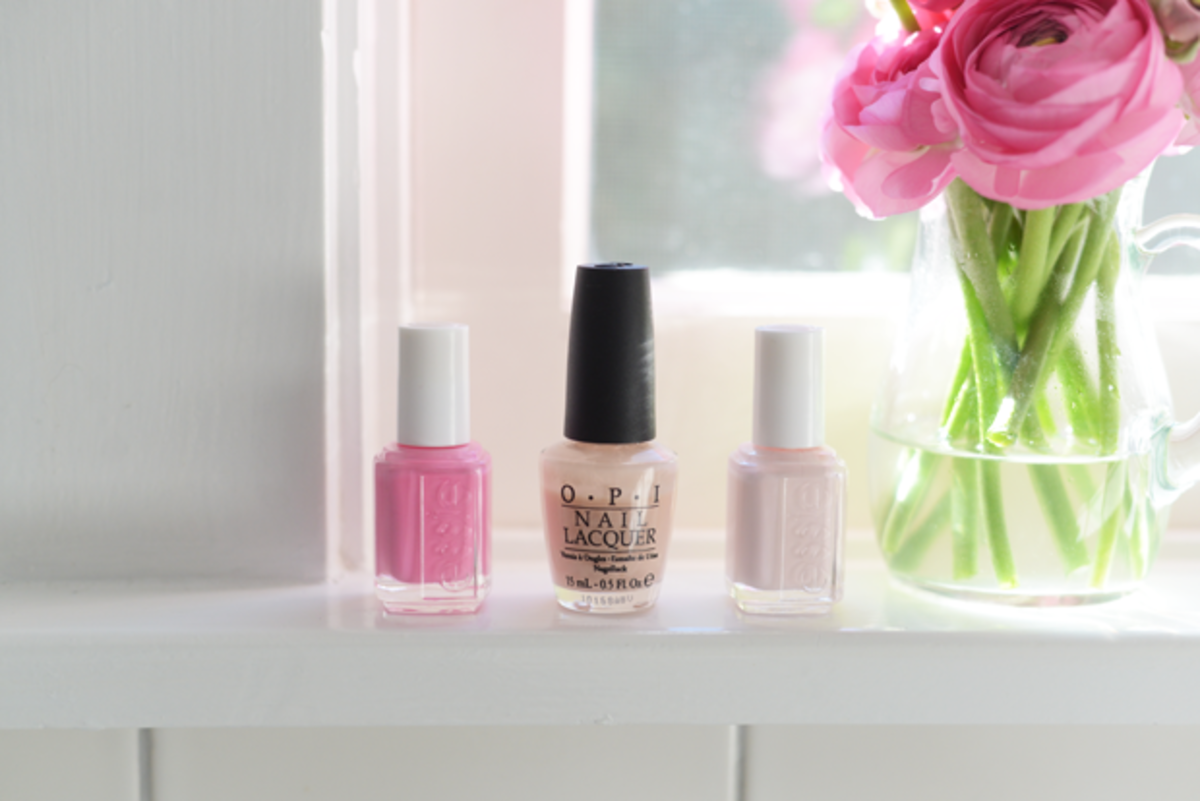 {Choosing my manicure color for our daughter's birth. Essie Lovie Dovie, OPI Bubble Bath, Essie Ballet Slippers}