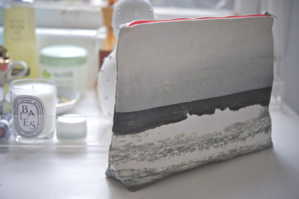 ocean-make-up-bag