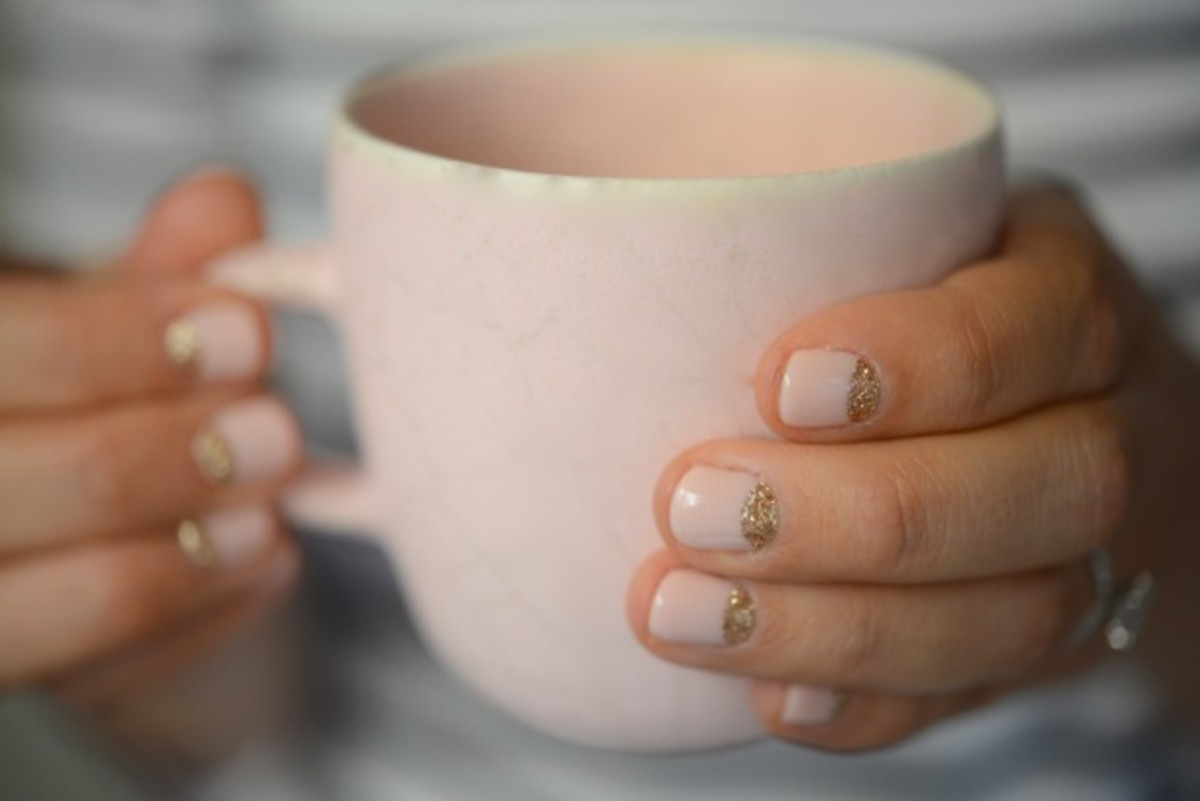 nails-%2B-cup