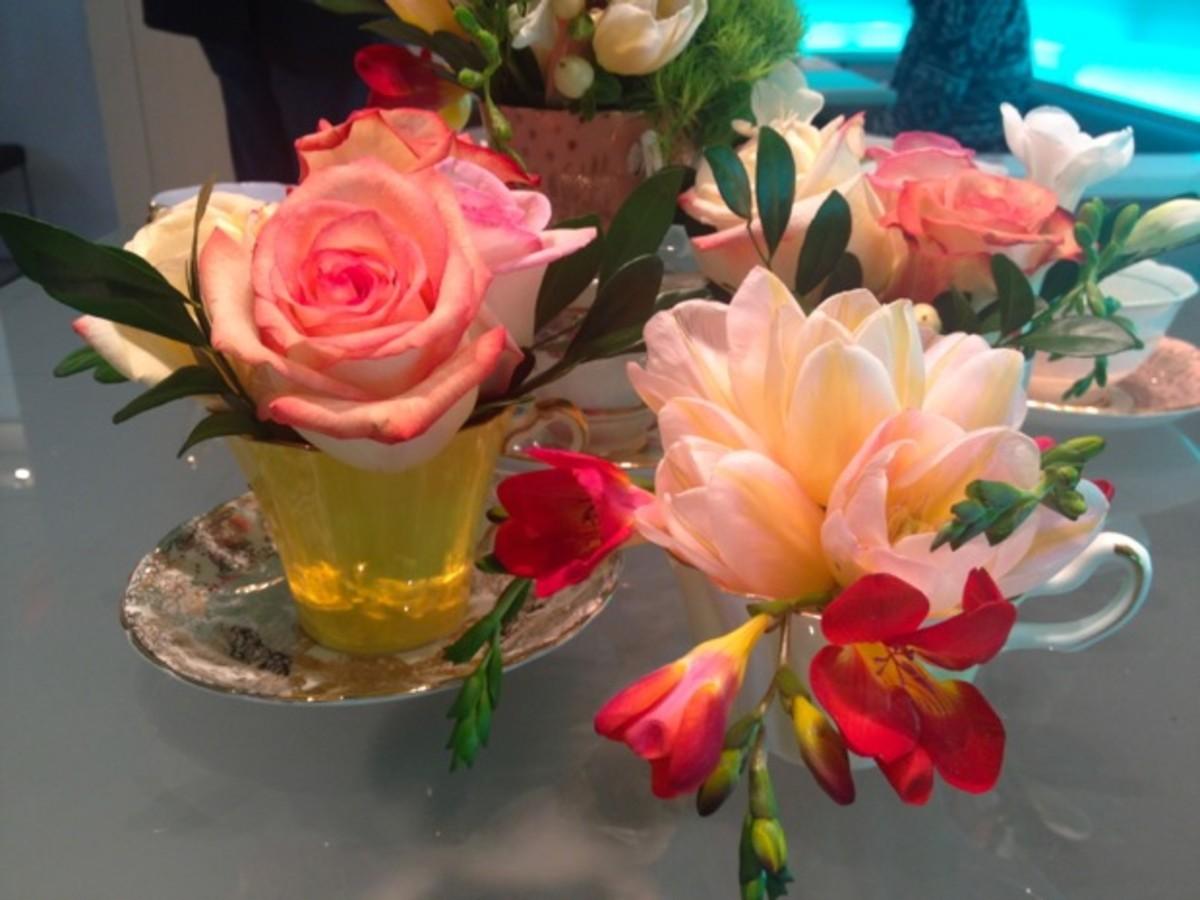 teacups-%2B-flowers