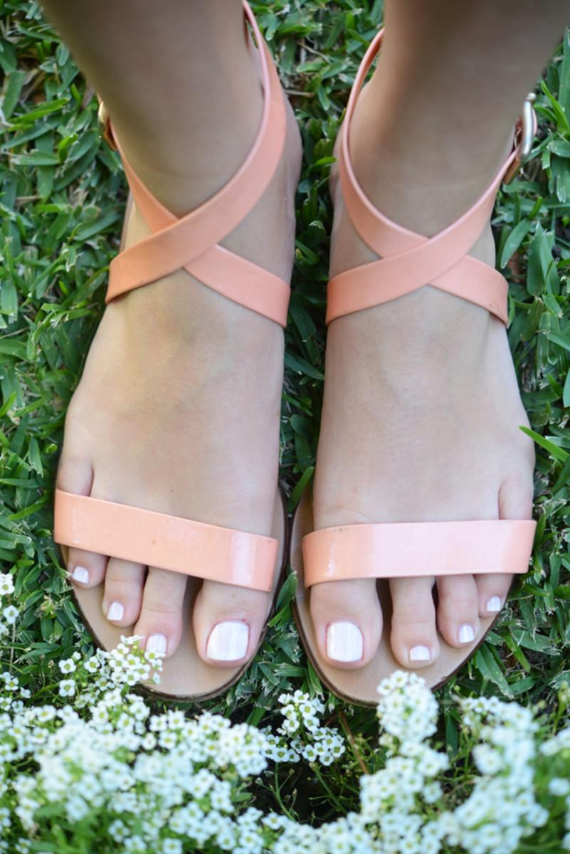feet10