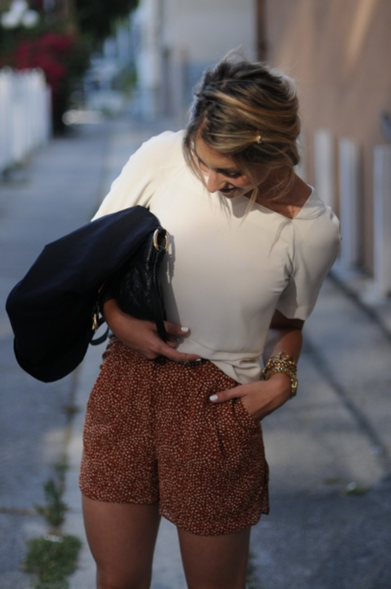 Zara Blouse, Vintage Blazer, Marc Jacobs Bag, Michael Kors Watch, Dannijo Bracelet, H&M Shorts, L.A.M.B. Heels