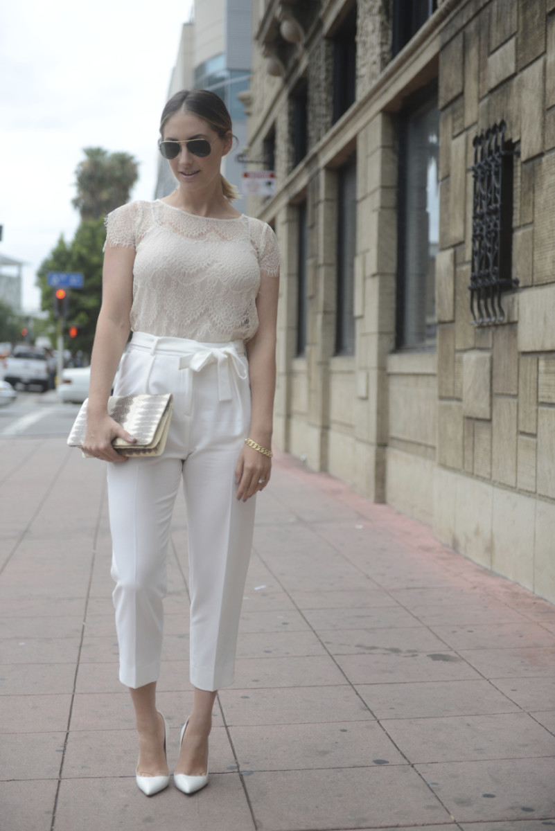 Ray-Ban Aviators, Cupcakes and Cashmere Lace Top, Topshop Pants (similar here), Asos Hair Tie, Manolo Blahnik Pumps, Vintage Clutch