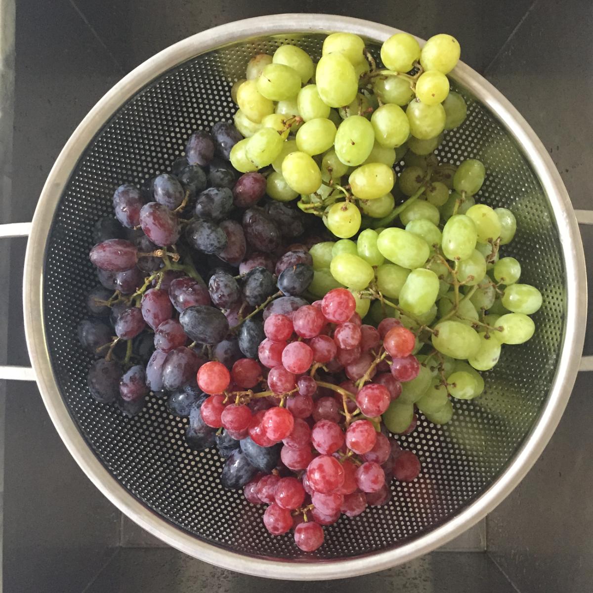 {Tri-color grapes}