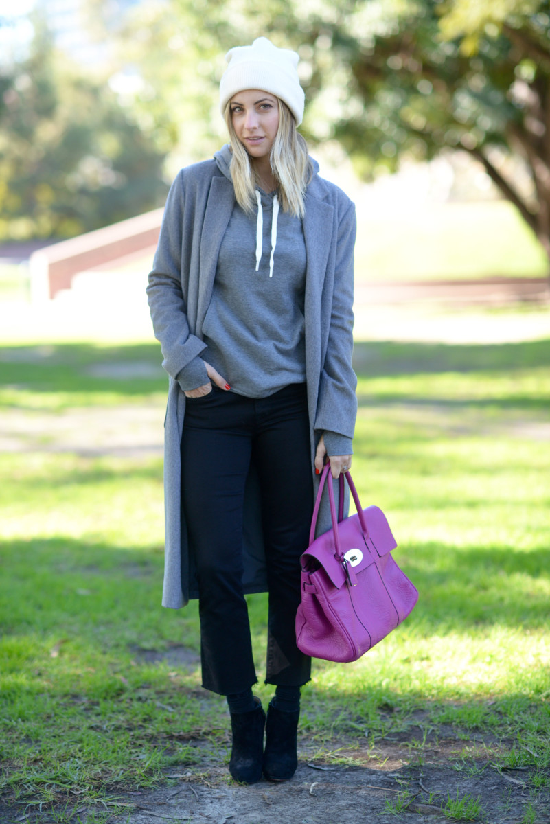 Madewell Beanie, Zela Sweatshirt, Cupcakes and Cashmere Coat, JBrand Jeans (similar here), Falke Socks, Christian Louboutin Booties (similar here), Mulberry Bag (similar here)