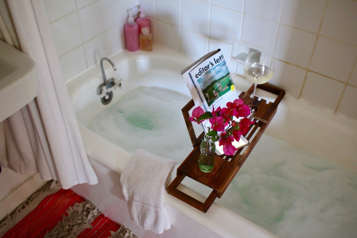 The Best Tray for Relaxing and Enjoyable Baths - Cupcakes & Cashmere