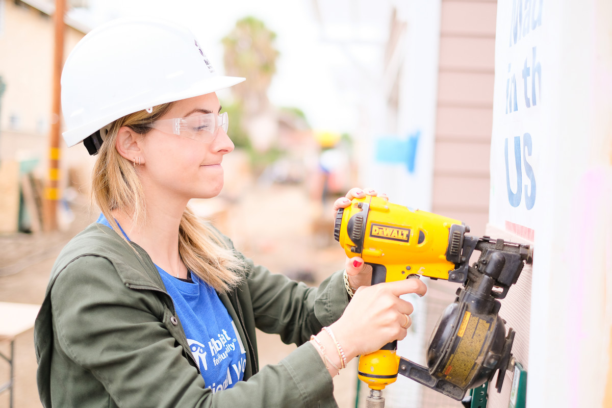 0050_Jason_Sorge_Photography_Habitat_for_Humanity_Lowes_Womens_Build_2017May09_5MB
