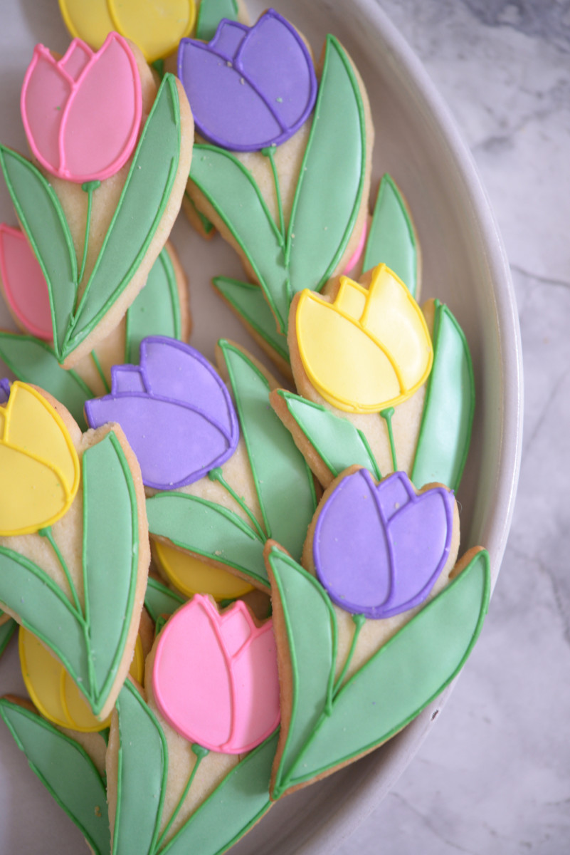 "{A sweeter take on ""edible flowers""}"
