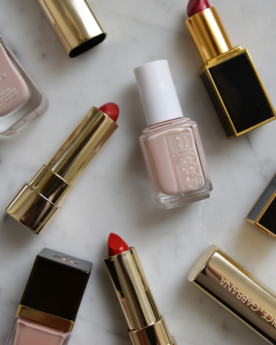 {You can never go wrong with nude nails and a red lip}