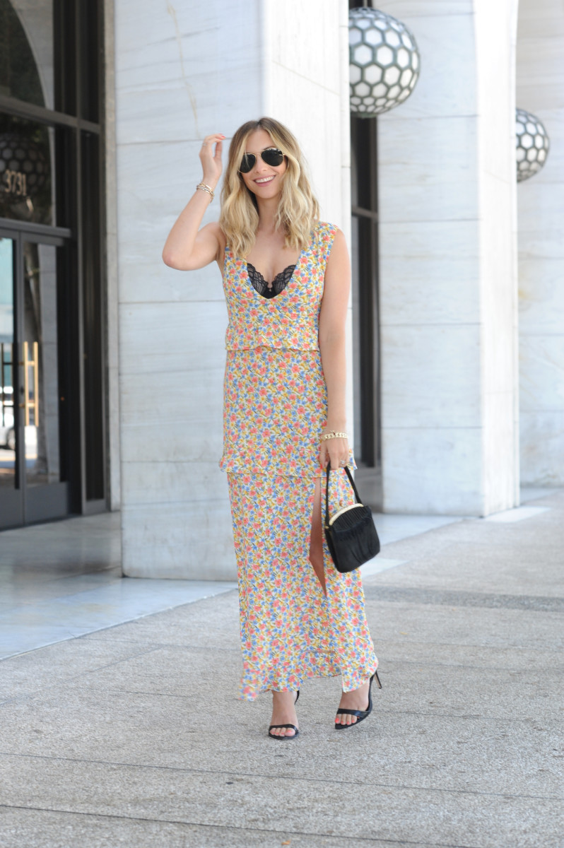 Ray-Ban Aviators, Nightwalker Dress, Josie Natori Bra (similar here), Vintage Bag, Zara Heels