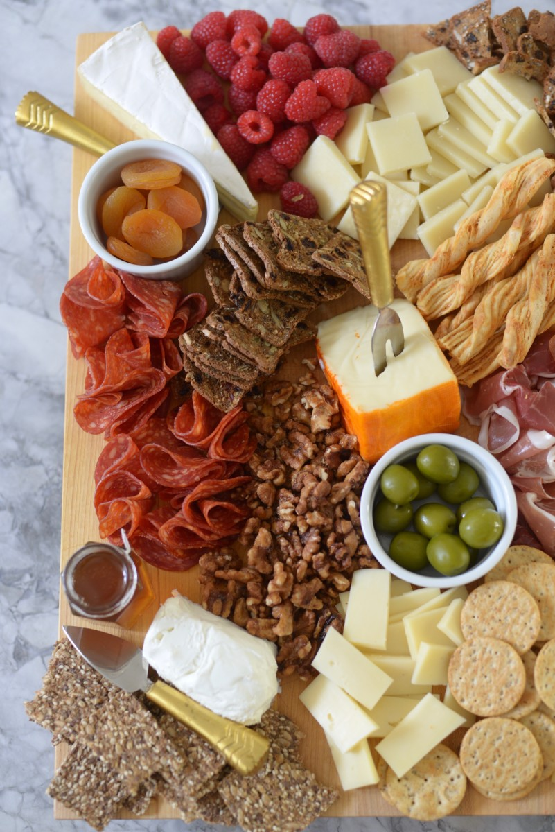 Gaby here from What\u0027s Gaby Cooking and today we\u0027re putting together a cheese board. Crafting a cheese board is one of my most favorite things to do in the ... & How to Build an Impressive Cheese Plate - Cupcakes \u0026 Cashmere