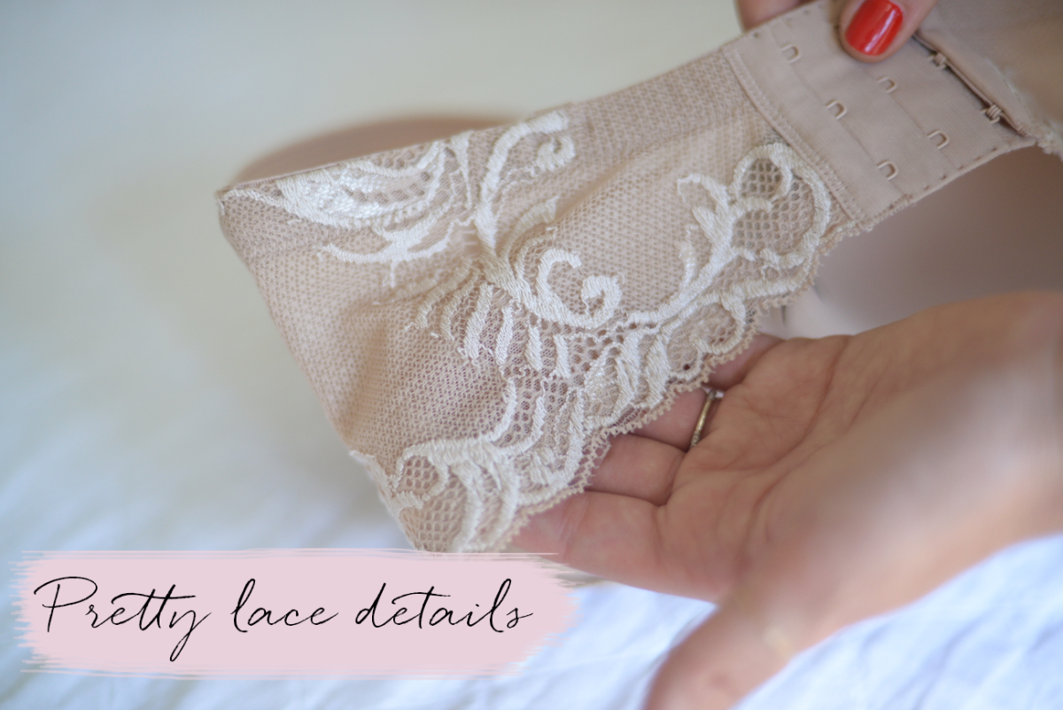 Pretty lace details.png