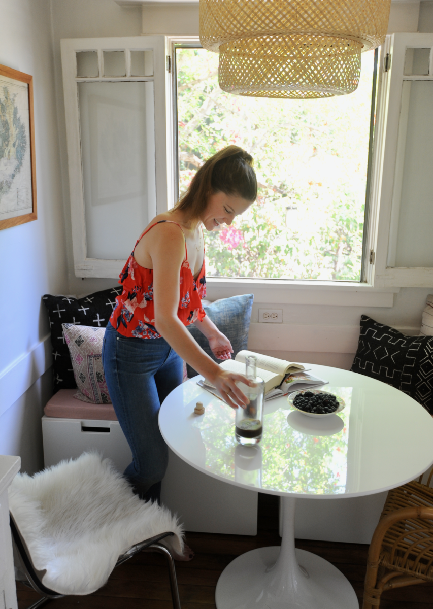 Home Reveal: How Leslie Created Her Breakfast Nook on a Budget