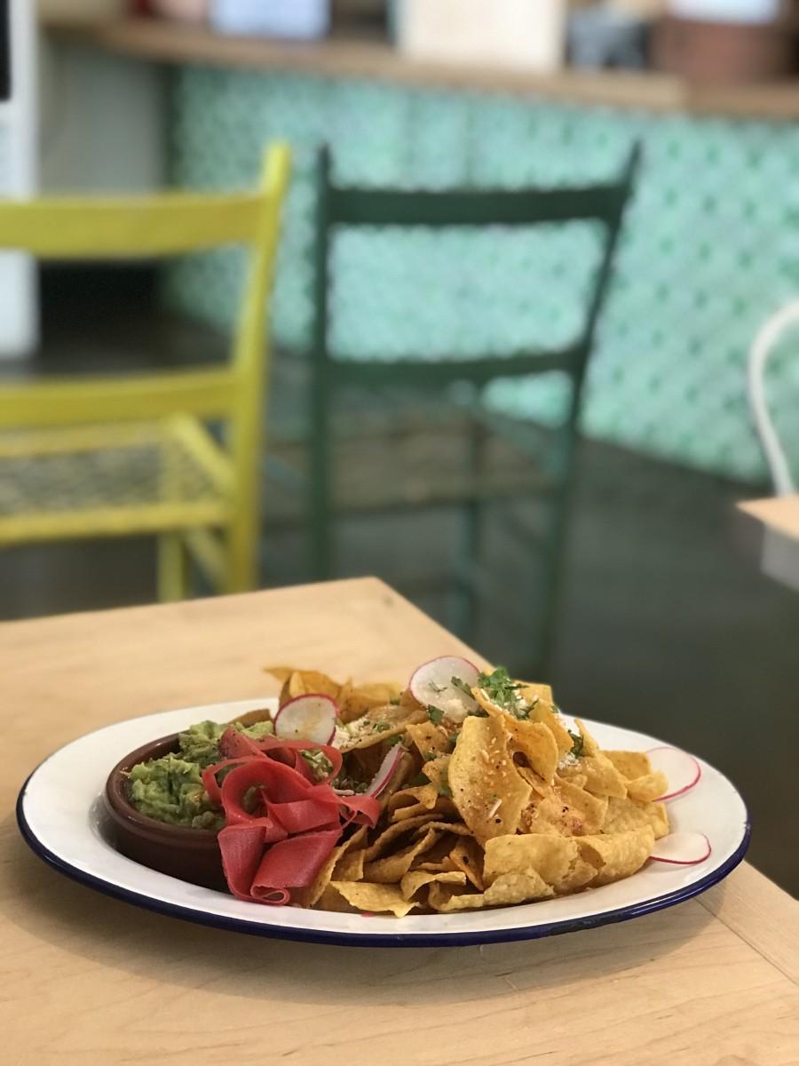 Guacamole and chips atGuero No. 1 Tortas