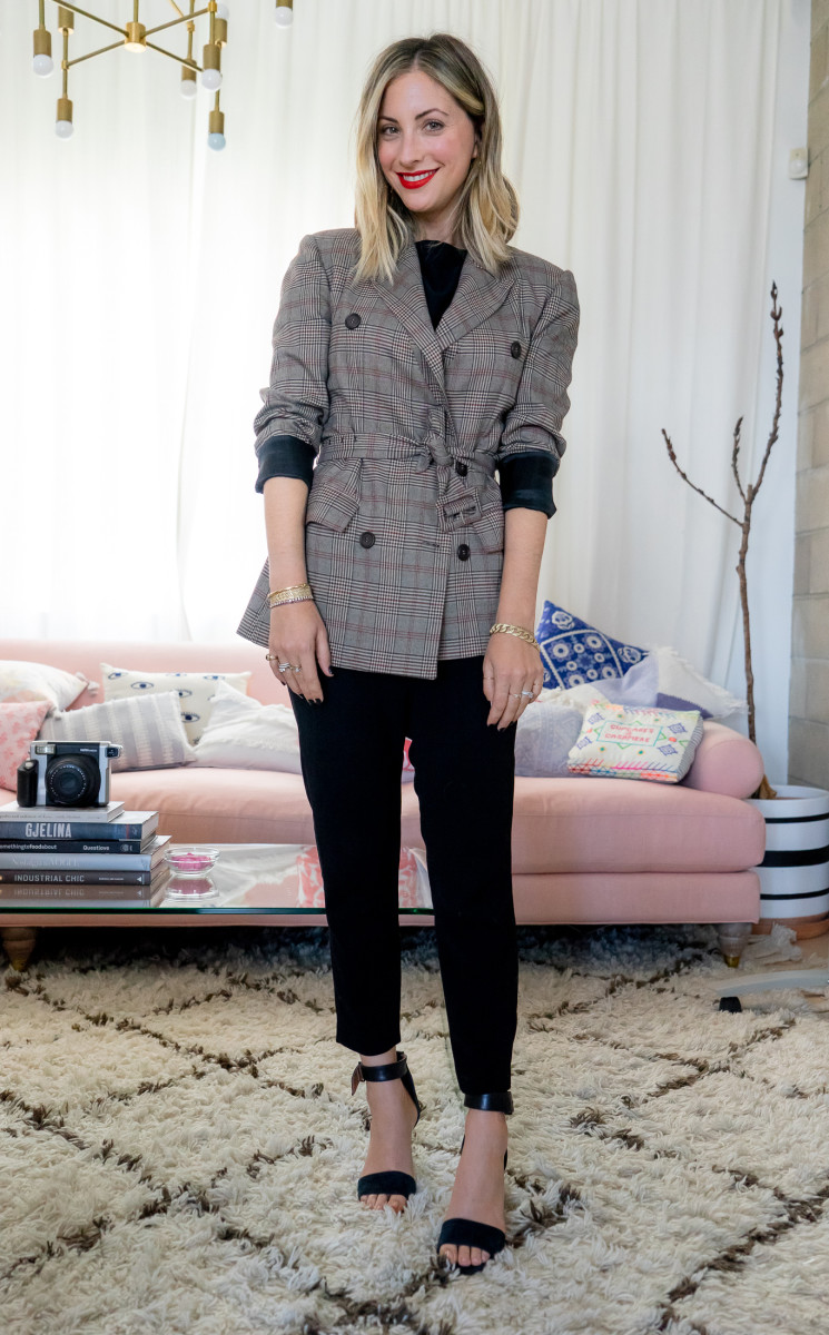 Monday: ASTR Blazer, cupcakes and cashmere Top (similar version here), Nili Lotan Pants, Topshop Heels (similar version here)