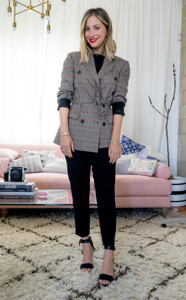 Monday: ASTR Blazer, cupcakes and cashmere Top (similar version here), Nili Lotan Pants, Topshop Heels (similar version here)